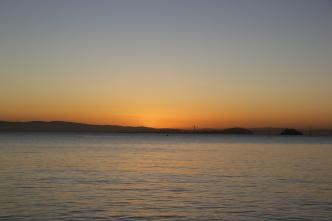 Sunrise on Bridgeway 10-29-15 9847